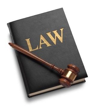 Probleme legale de care te poti lovi in online